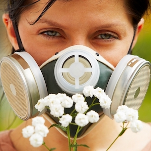 Как лечить аллергический насморк правильно и эффективно